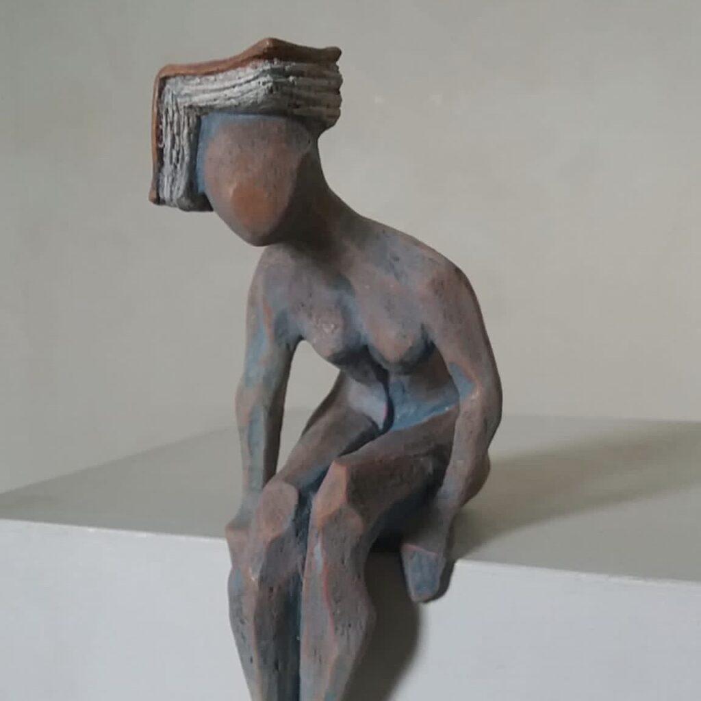 statuetta d'argilla